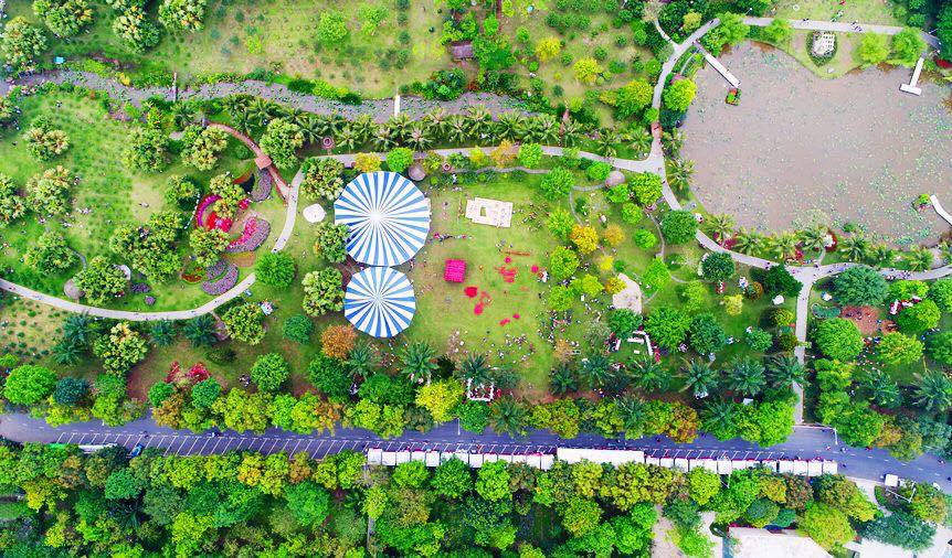 Công viên Ecopark – Địa điểm du lịch 2 người gần Hà Nội