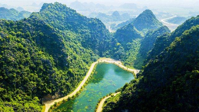 """Động Am Tiên – """"Tuyệt tình cốc""""- địa điểm du lịch Ninh Bình"""