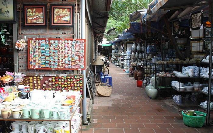Du lịch gần Hà Nội trong 1 ngày nên đi địa điểm nào – Làng gốm Bát Tràng