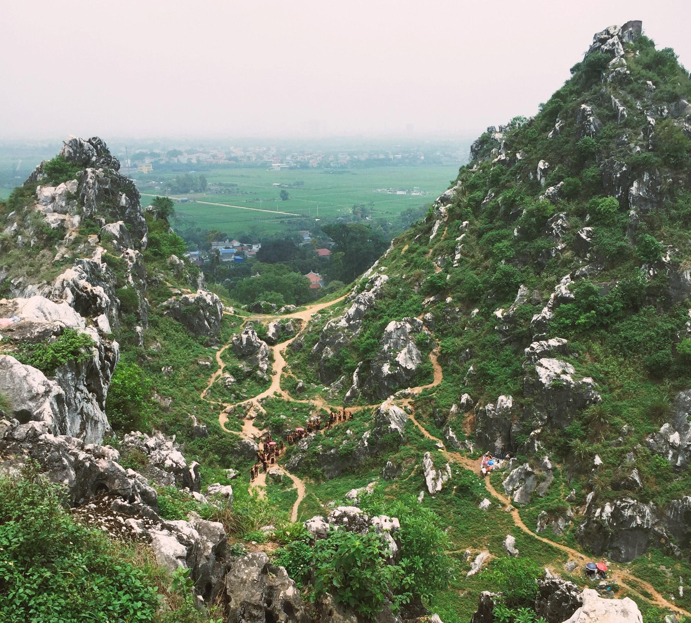 Núi Trầm – Các điểm du lịch gần Hà Nội